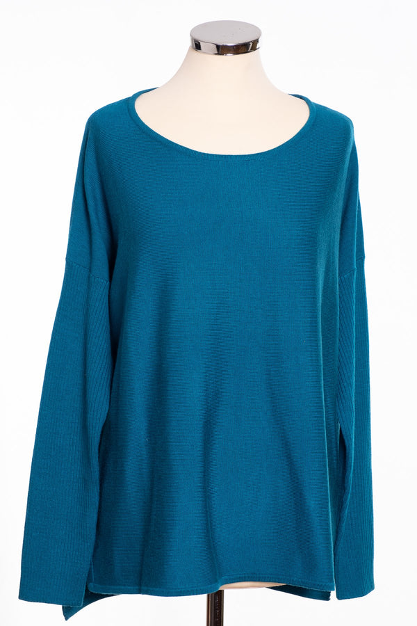 Ginger Toby bow back jumper, teal, front view