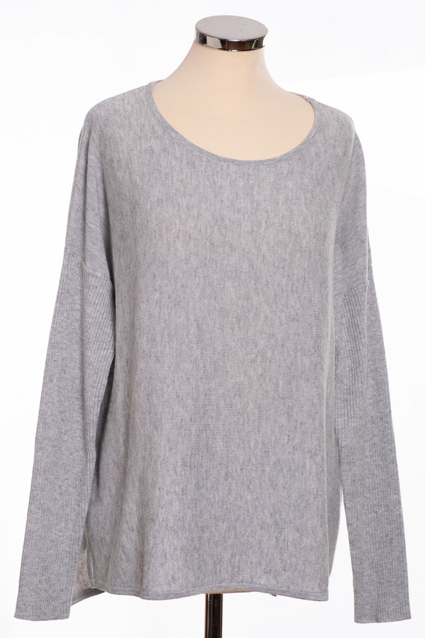 Ginger Toby bow back jumper, silver, front view