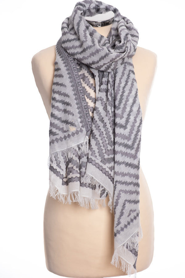 Kapre zig zag design scarf, grey, tied view