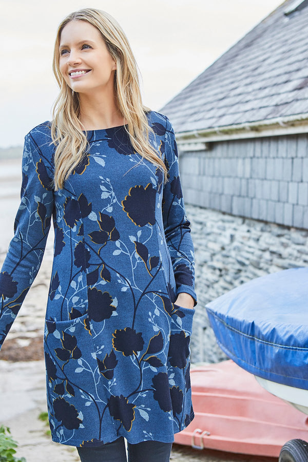 Lily and Me Winterbourne tunic in silhouette print, navy, model front view