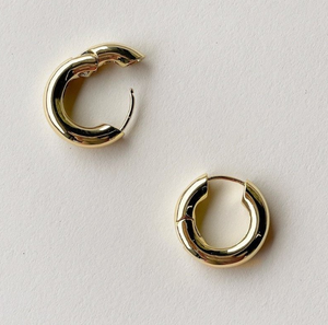 Chunky Hoops in Gold with Blonde Tortoise Charm