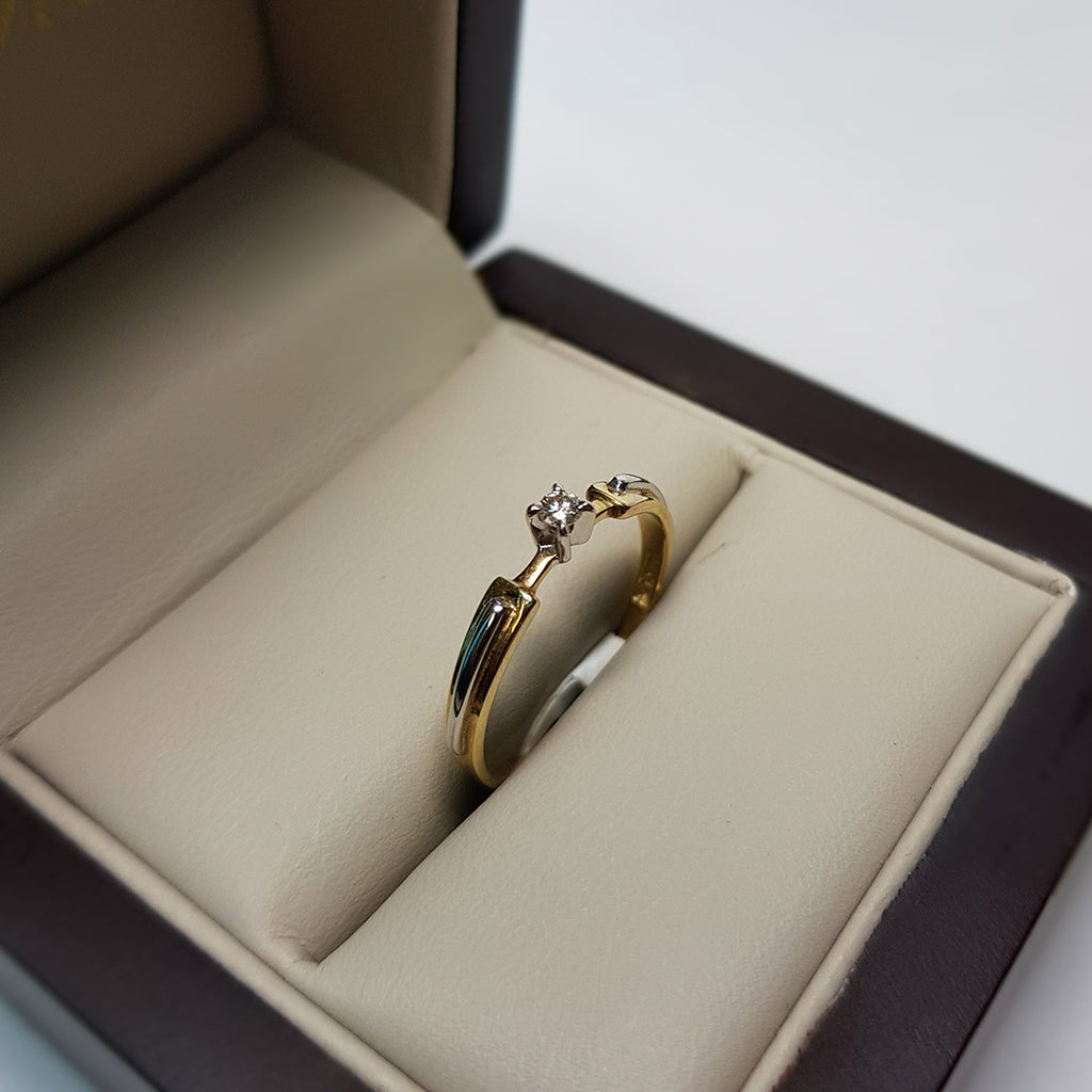 Anillo Solitario Oro 14k, Diamante Natural de 5 Puntos.