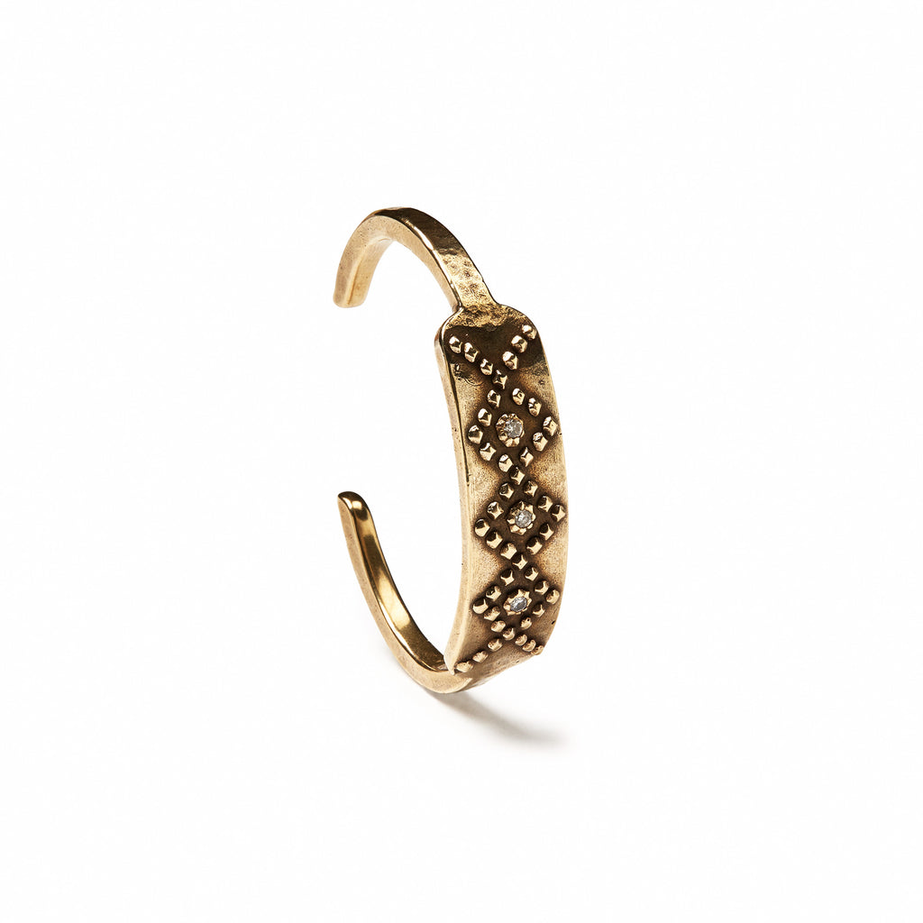Diamondback Three Stone Cuff
