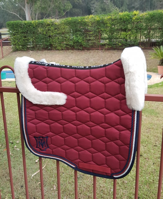 Mattes Burgundy Large saddlepad New Sheen