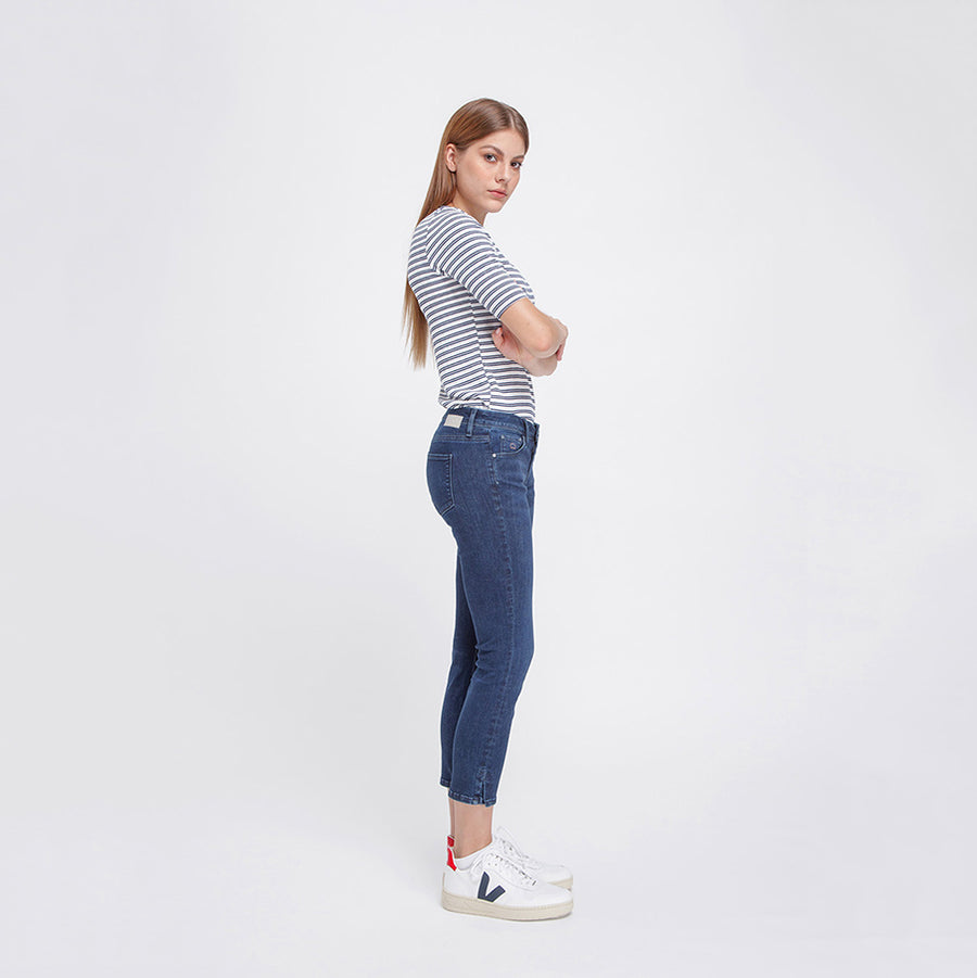 MID SUN - Medium Waist Slim, Capri