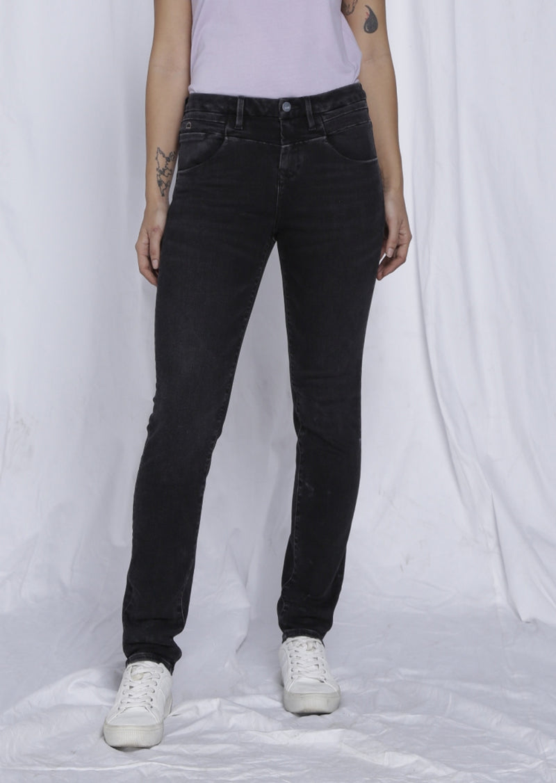 GLORY - Mom Fit, Organic Powerstretch Denim, Black