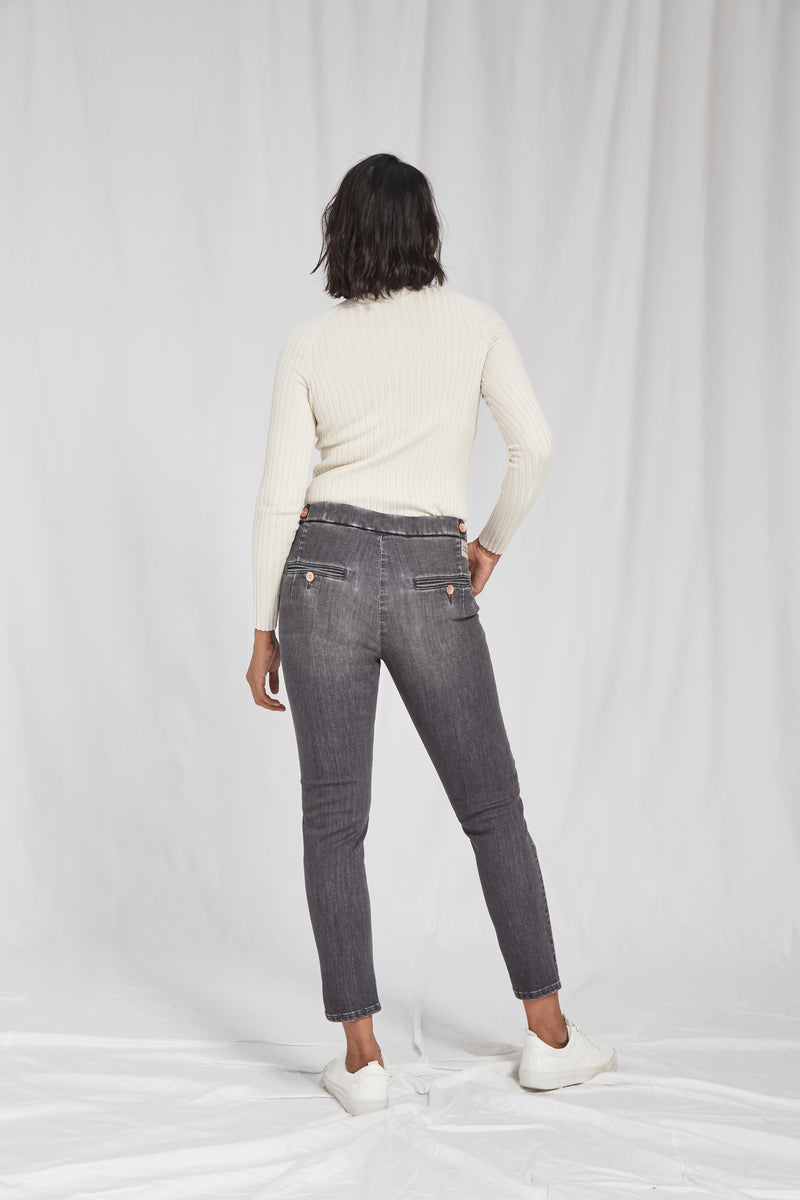 SUNSHINE - Tapered, Organic Sustainable Denim, Grey