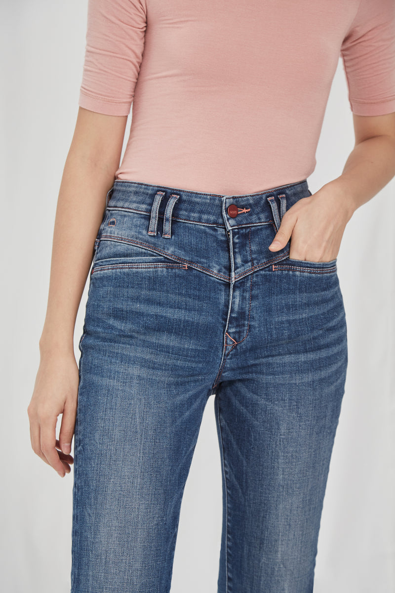 GLORY - Mom Fit, Organic Comfort Denim, Mid Blue