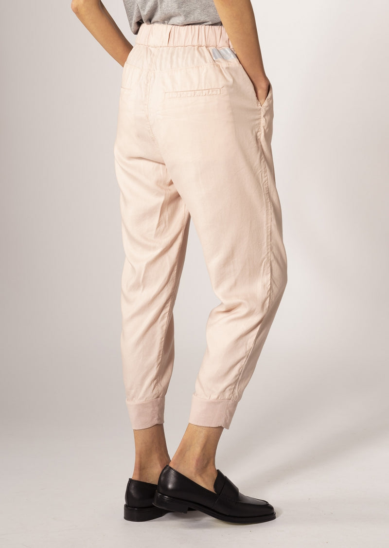 SUNSHINE - Tapered, Sustainable Lightweight Jogger, Apricot