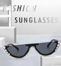 Load image into Gallery viewer, Diamond Cat Eye Sunglasses