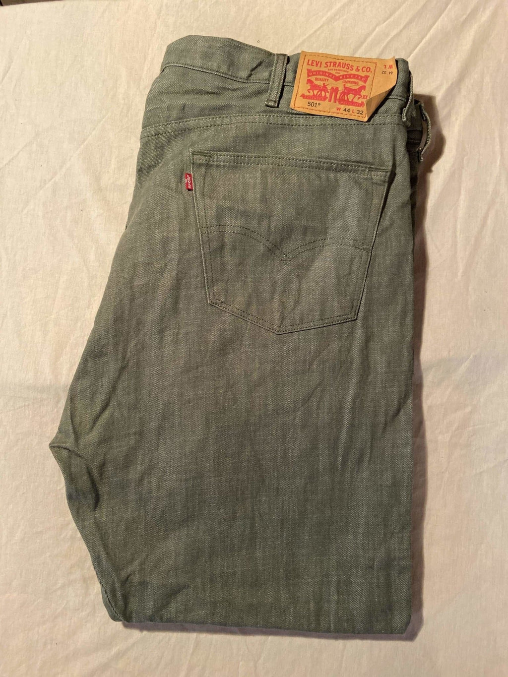 As New Condition Levi's Original 501 Regular Fit Jeans W44 L32 (LJ5) - Discounted Deals UK
