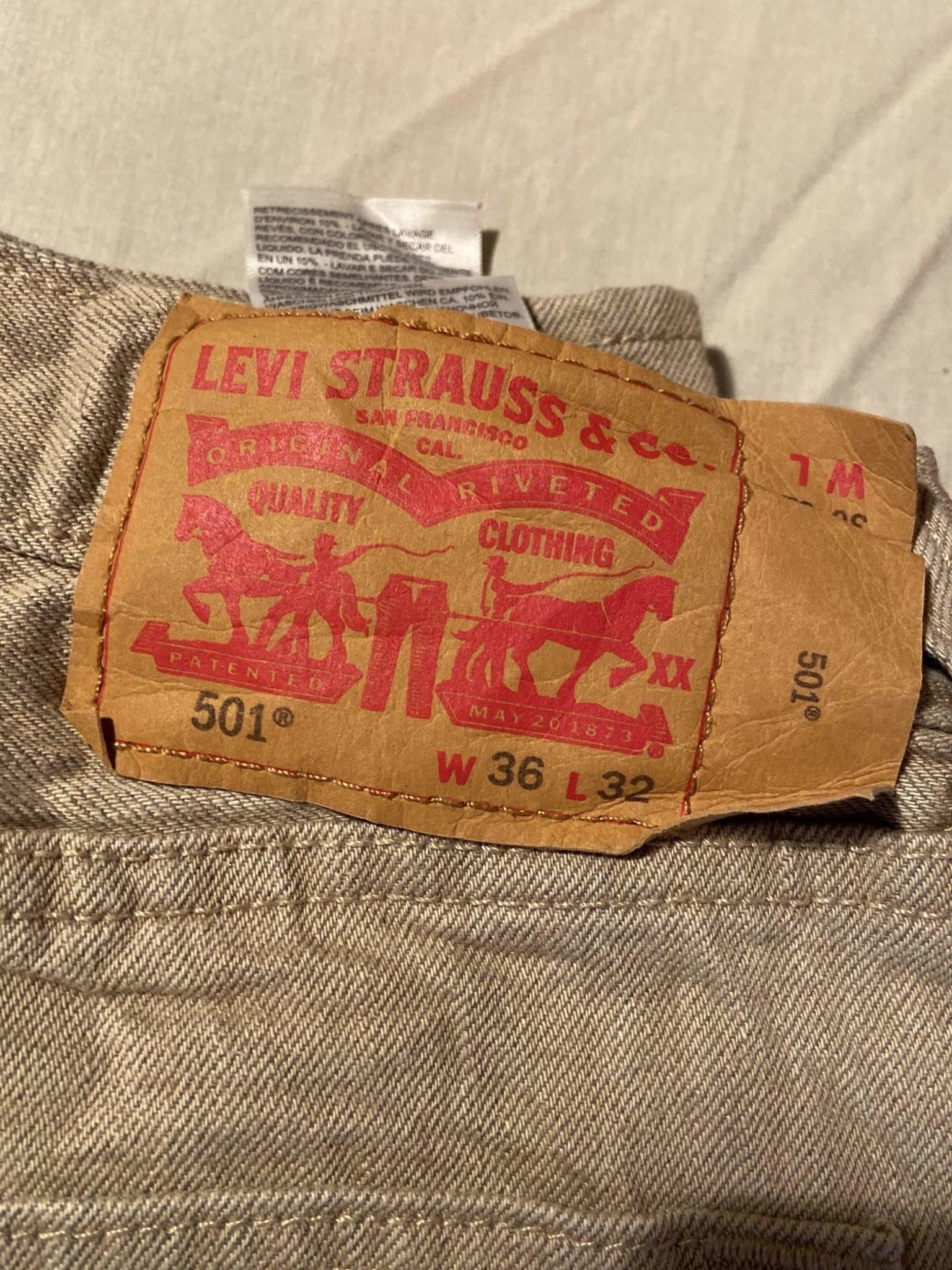 Grade A Levi's Original 501 Regular Fit Jeans W36 L32 (DF5) - Discounted Deals UK