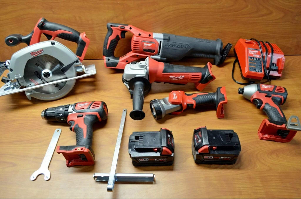 Milwaukee M18 18v 6 Piece Cordless Power Tool Kit / 4-6 Week Delivery Time If Not In Stock - Discounted Deals UK