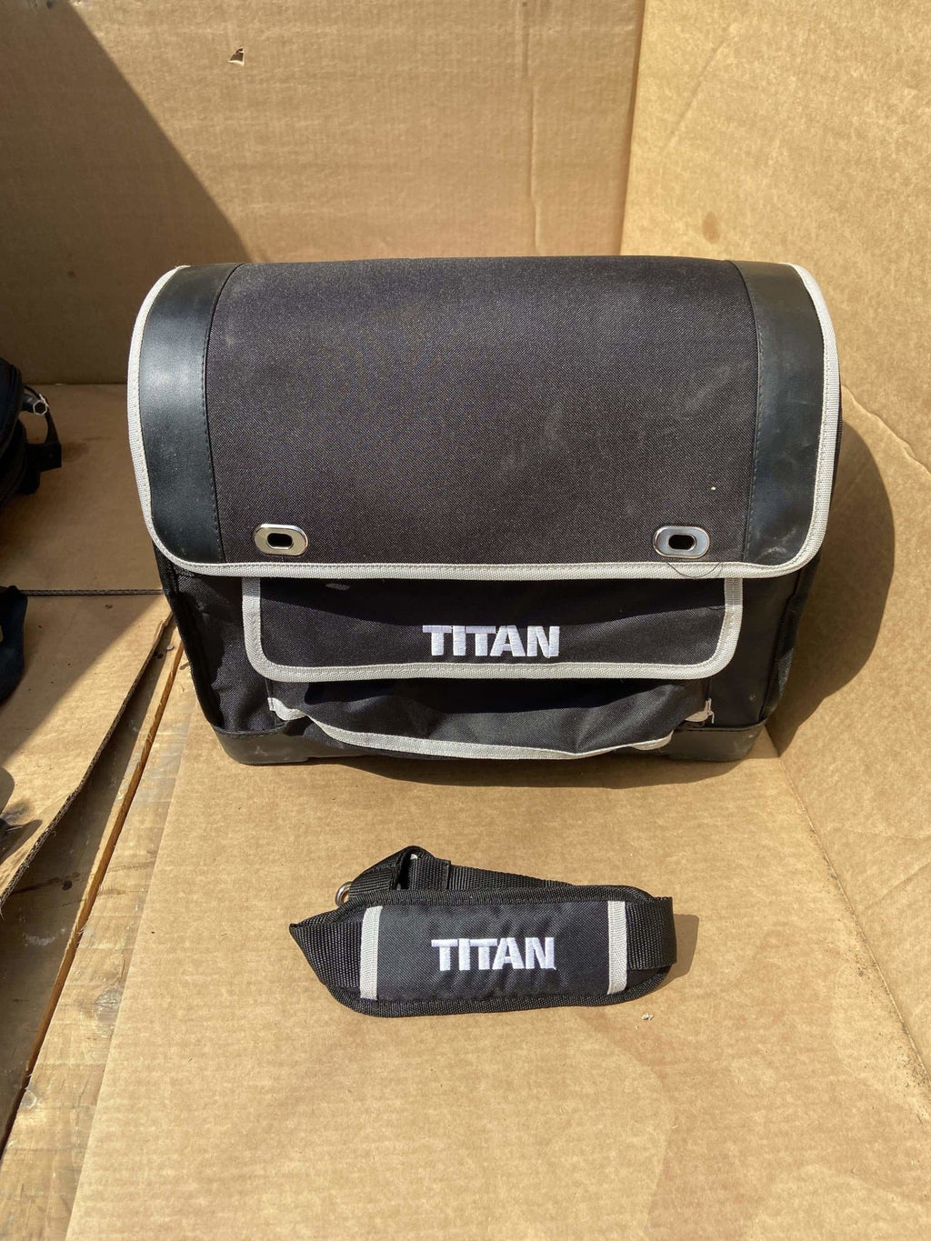 Titan 40cc/50cc Petrol Chainsaw Carry Case Bag With Shoulder Strap - Discounted Deals UK