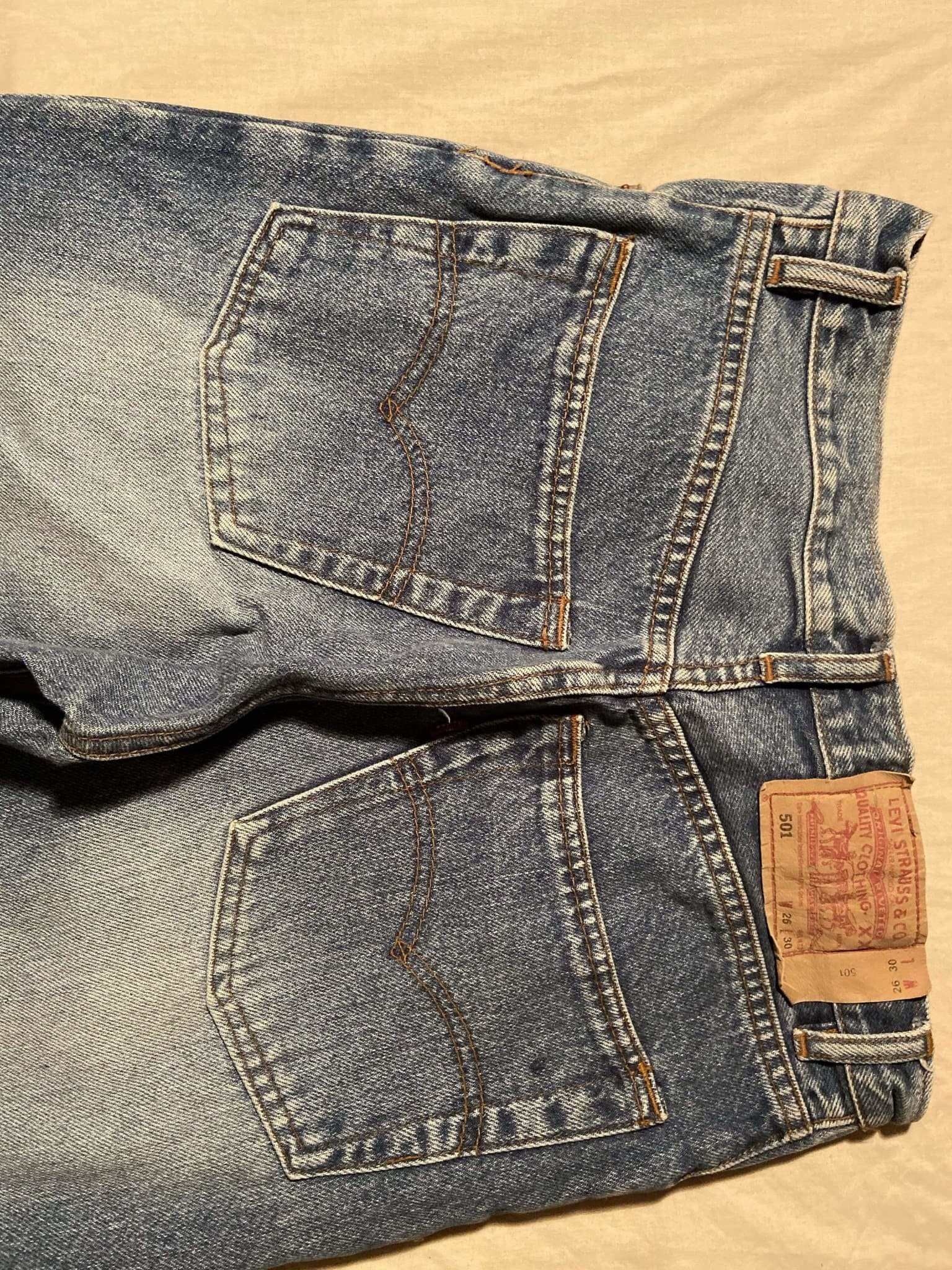 Vintage Grade A Levi's Original 501 Regular Fit Jeans W26 L30 (DE7) - Discounted Deals UK