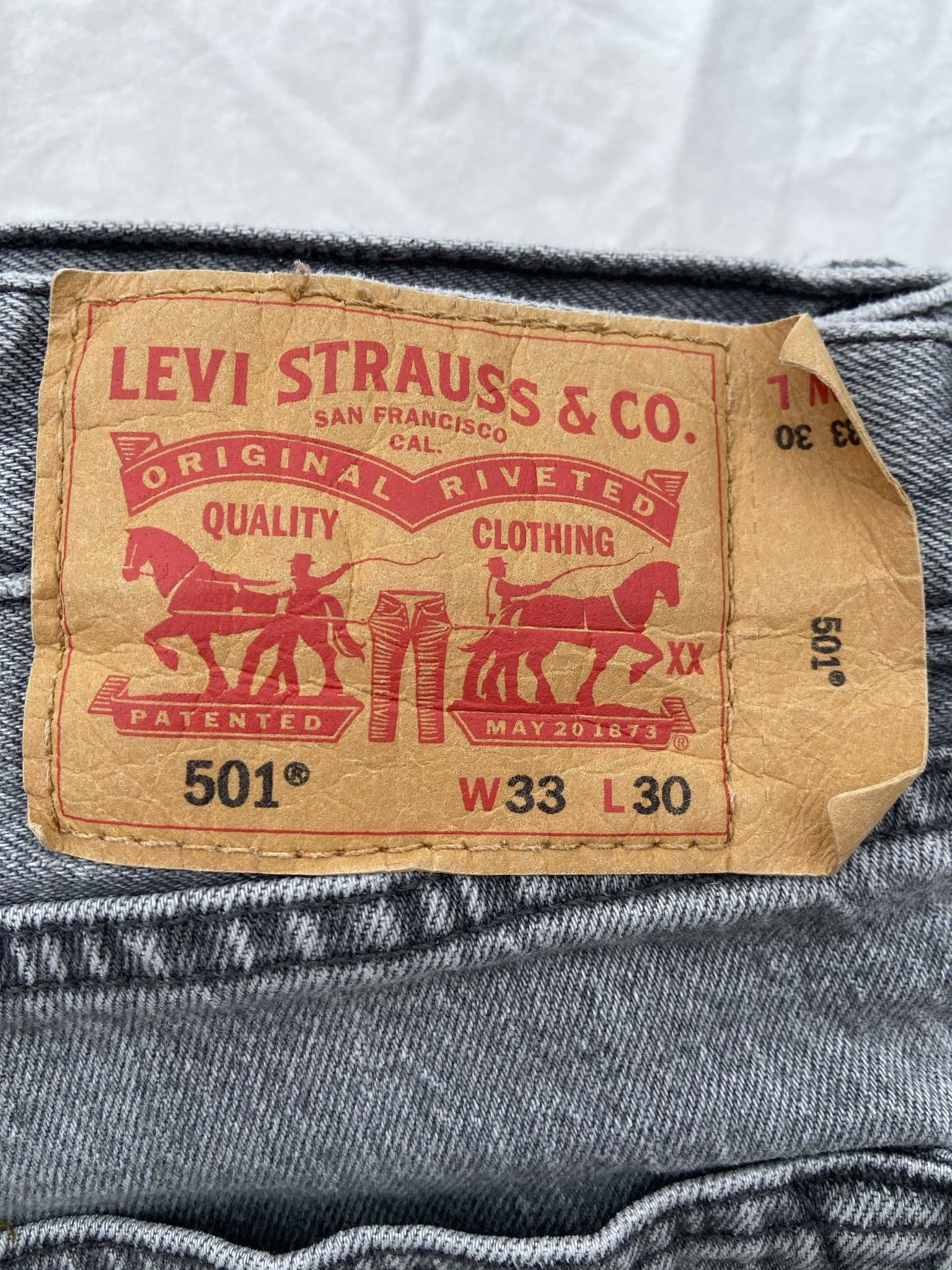 Vintage Levi's 501 Jeans W33 L30 (Y2) - Discounted Deals UK