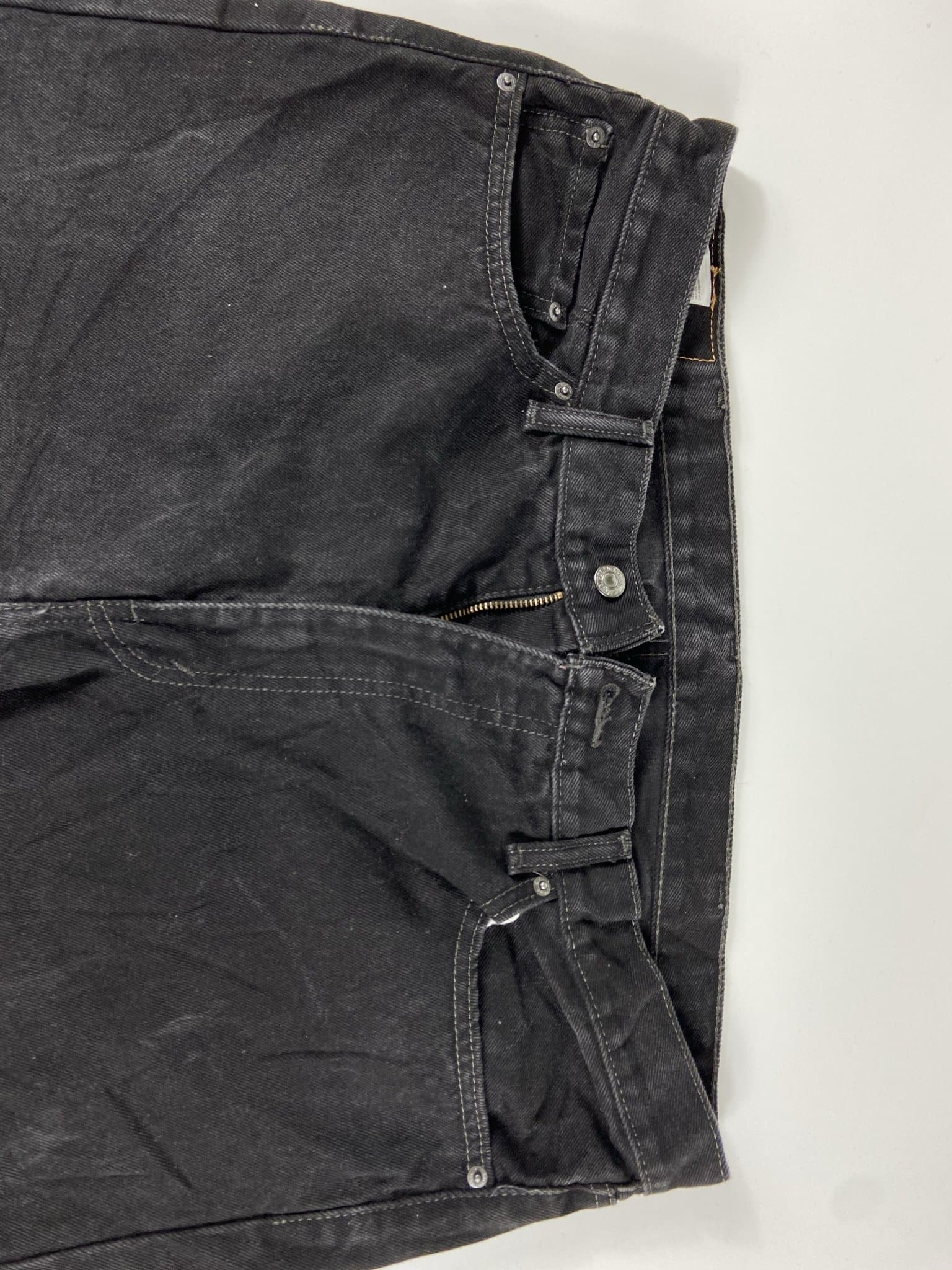 Vintage Levi's 505 Classic Zip Fly Jeans W40 L30 (I11) - Discounted Deals UK