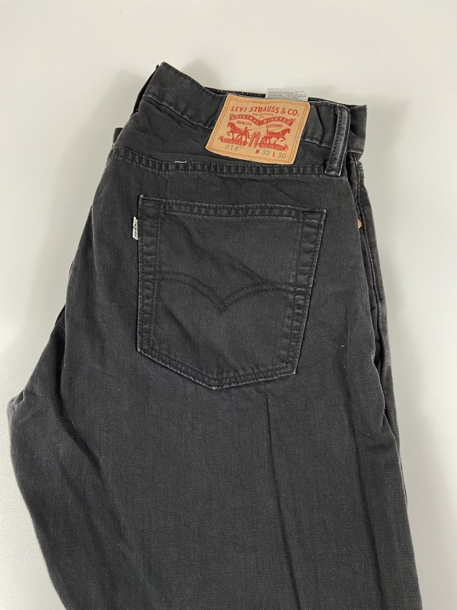 Vintage Levi's 514 Classic Zip Fly Jeans W32 L30 (I11) - Discounted Deals UK