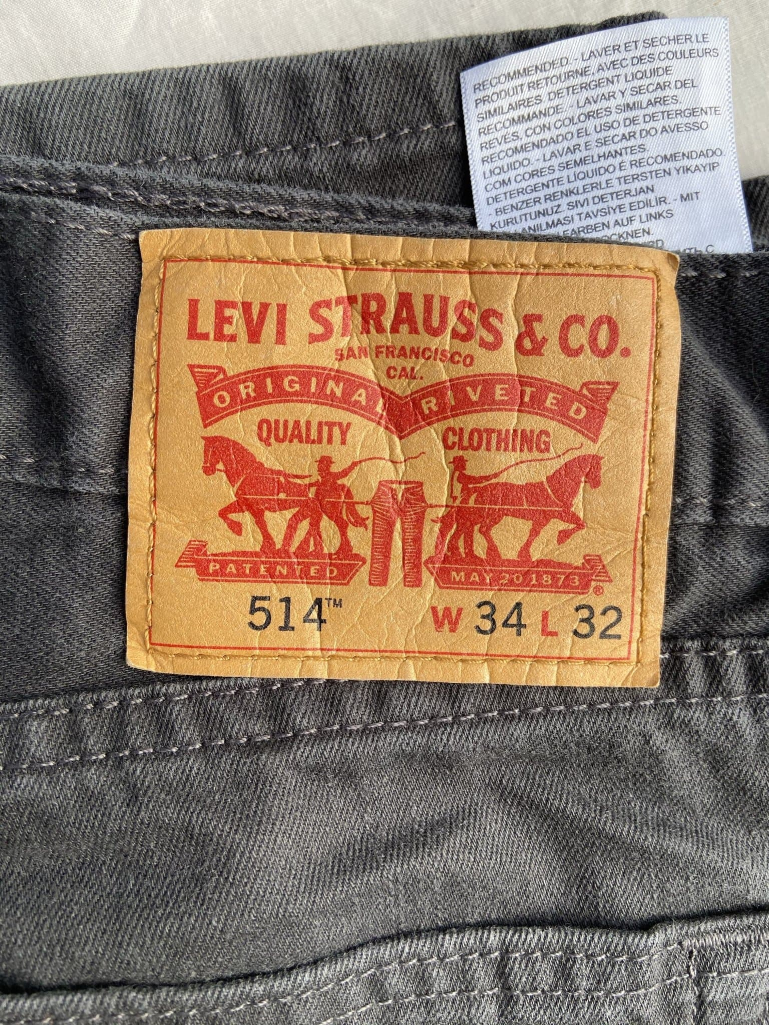 Vintage Levi's 514 Jeans W34 L32 (F2) - Discounted Deals UK