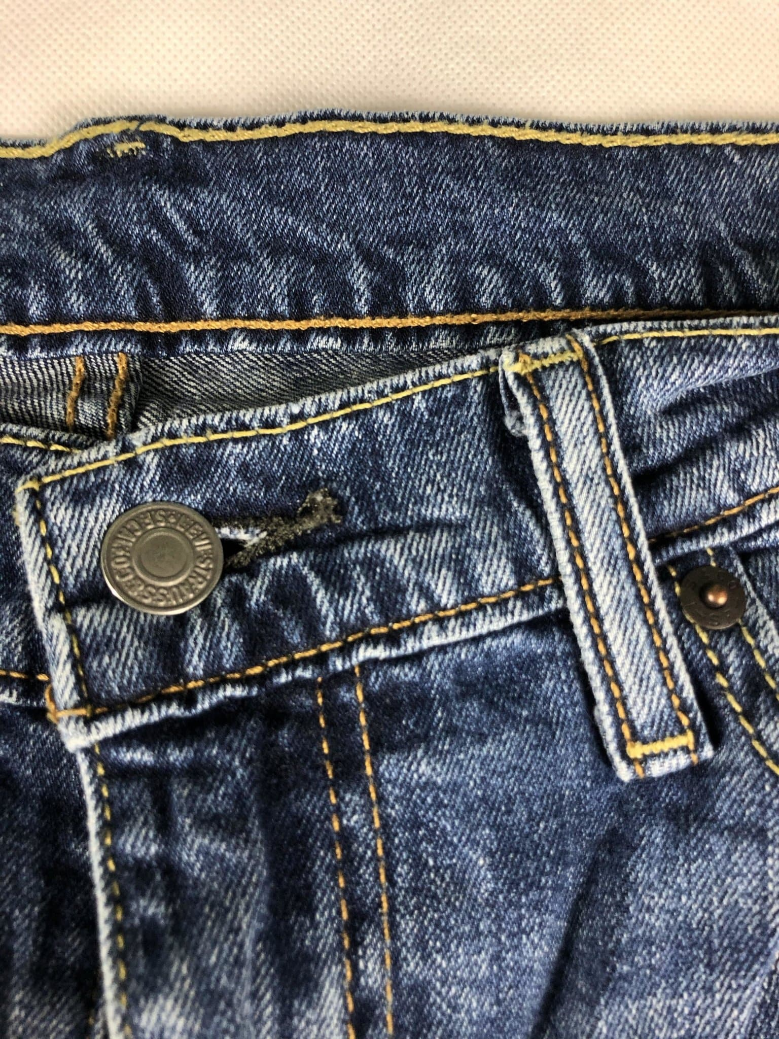 Vintage Levi's 514 Jeans W36 L32 (M15) - Discounted Deals UK