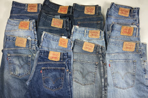 Vintage Levi's Blue Jeans W35 L32 (MX1) - Discounted Deals UK