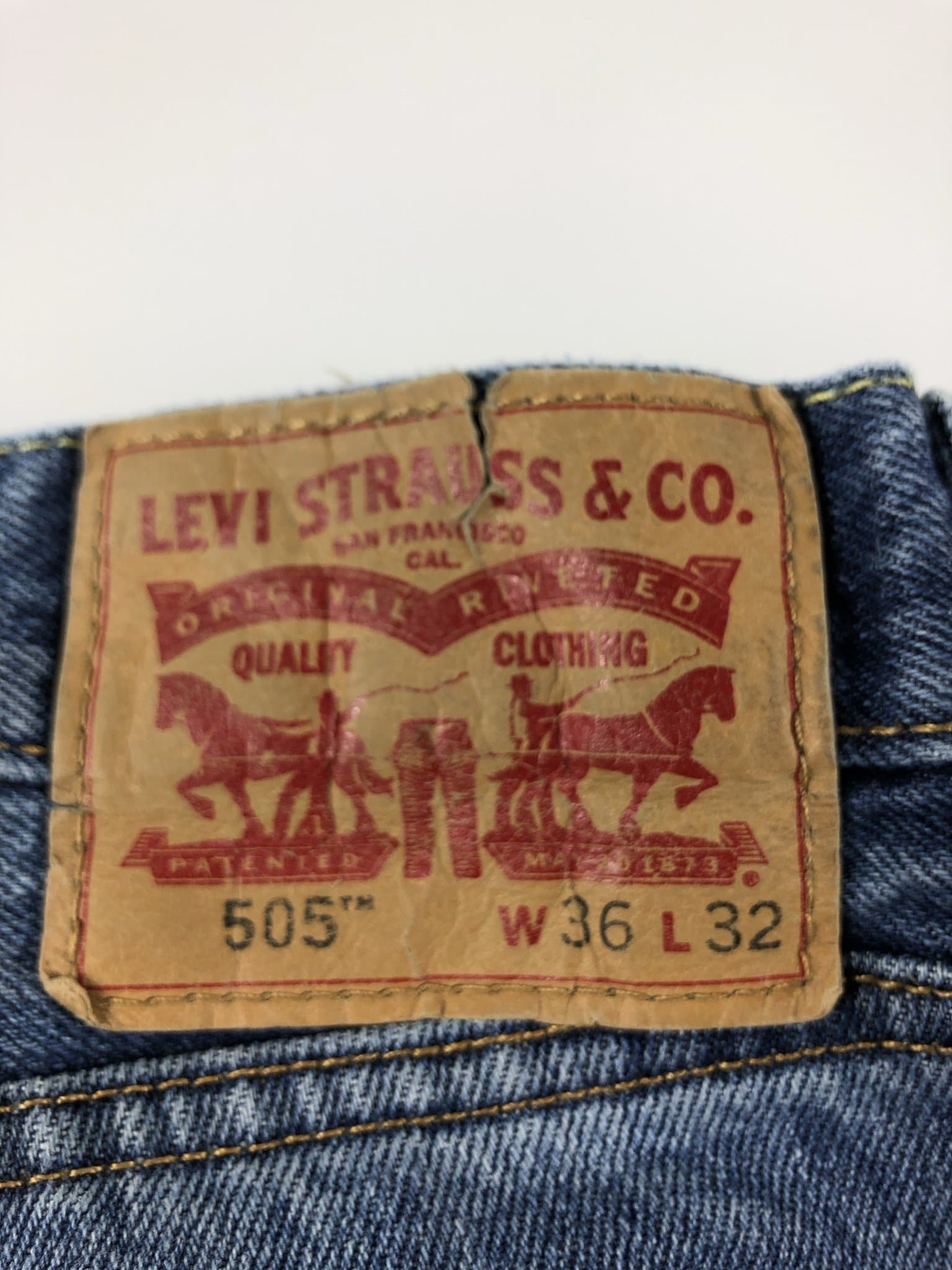 Vintage Levi's Classic 505 Jeans W36 L32 (K5) - Discounted Deals UK