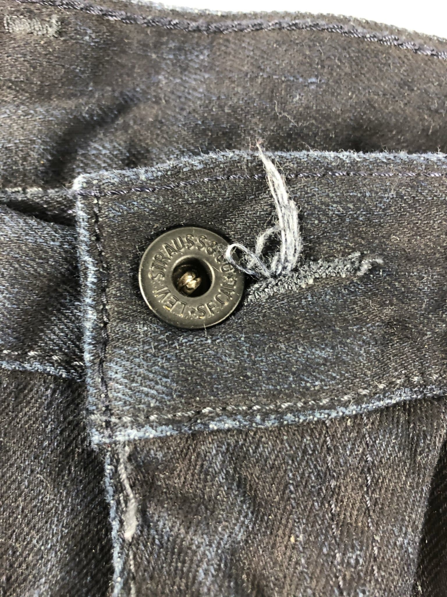 Vintage Levi's Classic 514 Jeans W36 L34 (DHLB4) - Discounted Deals UK
