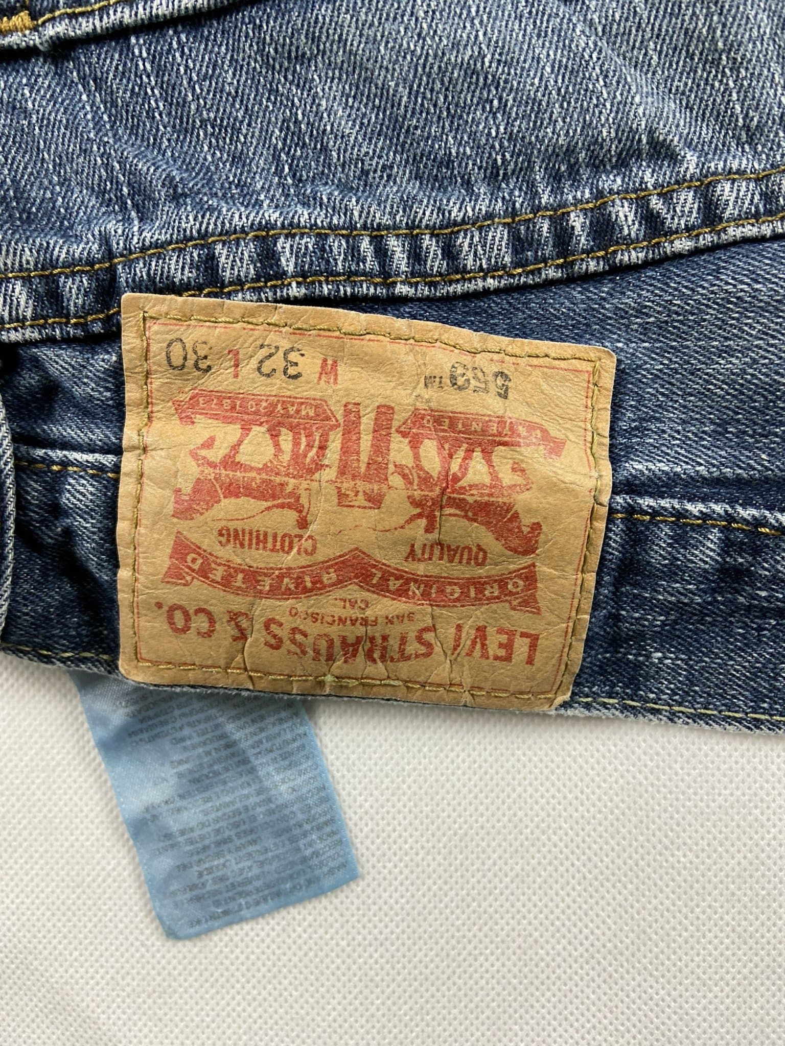 Vintage Levi's Classic 559 Jeans W32 L30 (G54) - Discounted Deals UK