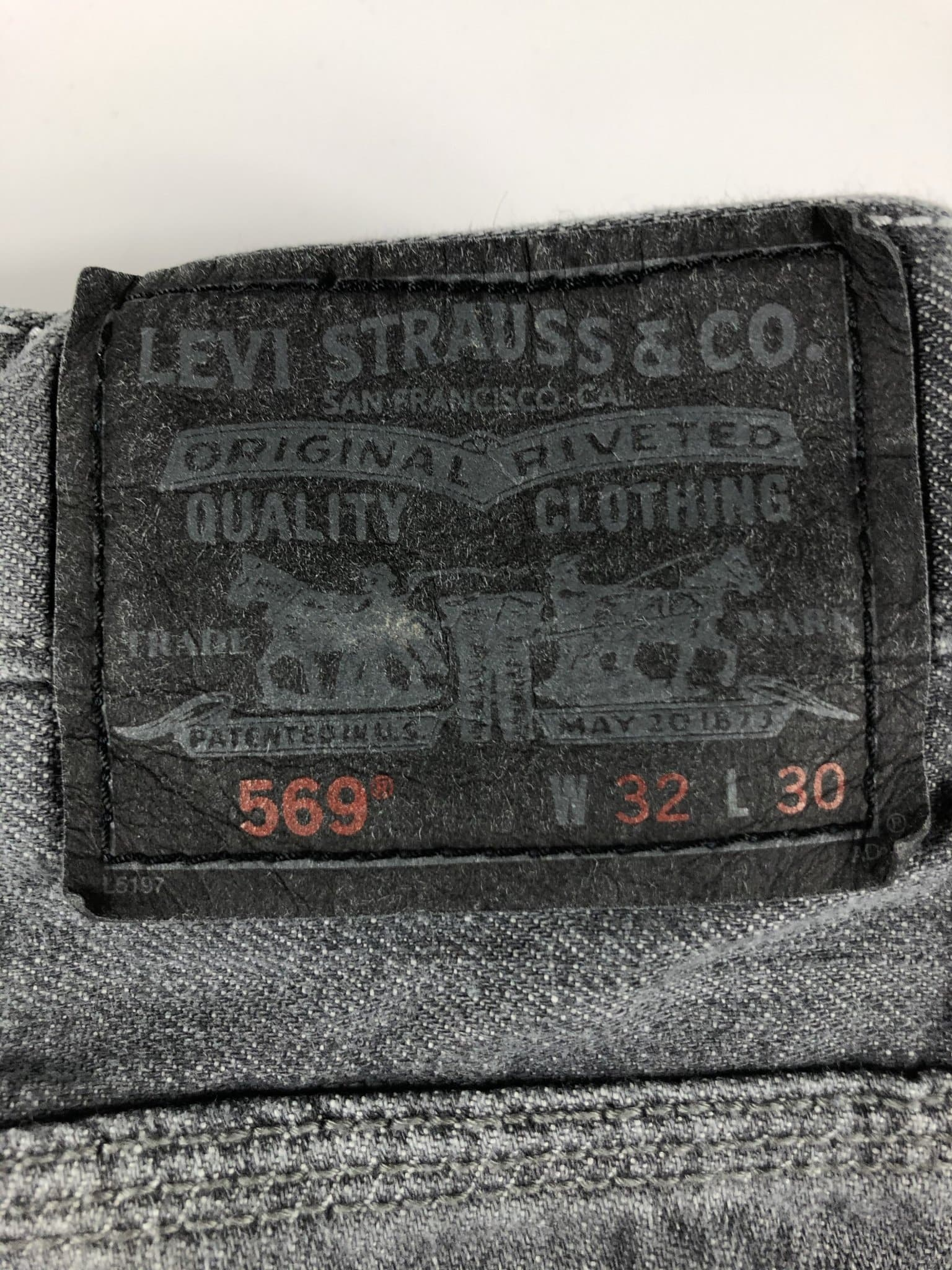 Vintage Levi's Classic 569 Jeans W32 L30 (T15) - Discounted Deals UK