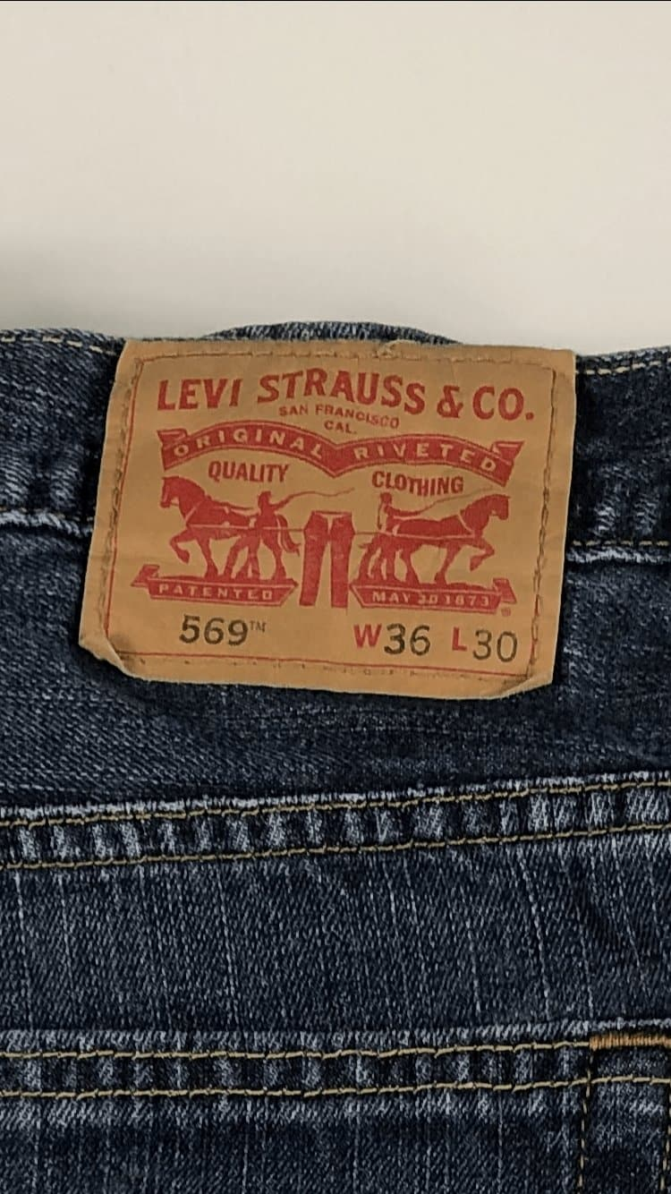 Vintage Levi's Classic 569 Zip Fly Jeans W36 L30 (LVB1) - Discounted Deals UK