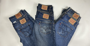 Vintage Levi's Classic Blue Zip Fly Jeans W33 L30 (BE4) - Discounted Deals UK