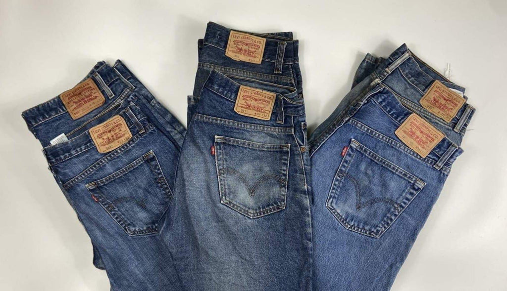 Vintage Levi's Classic Blue Zip Fly Jeans Waist 48 Length 30 - Discounted Deals UK