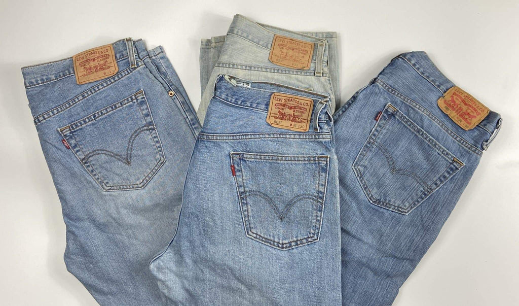 Vintage Levis Classic Lighter Blue Wash Zip Fly Jeans W42 L34 - Discounted Deals UK