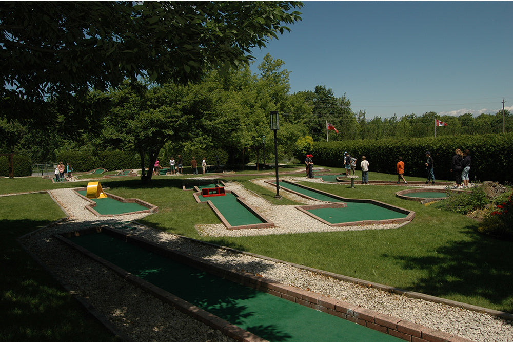 Mini Golfing at Scenic Caves Nature Adventures - Blue Mountains