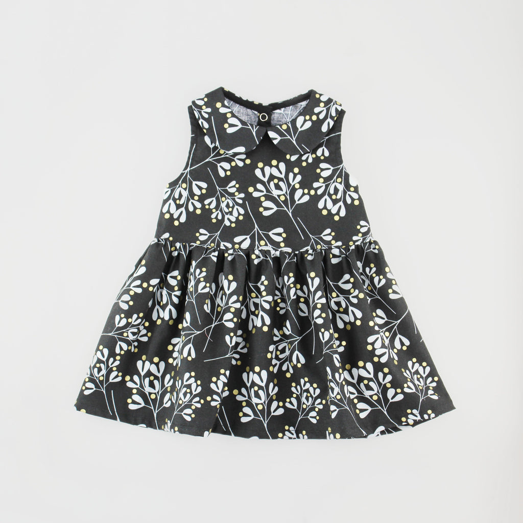 Black Floral Sleeveless Dress with Peter Pan Collar Sewing Pattern