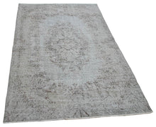 "Load image into Gallery viewer, Vintage Turkish Rug - 6' 0"" x 3' 5"""