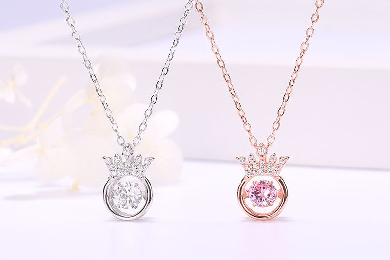 A meaningful and perfect gift—Beating Heart Crown Necklace