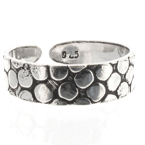 Sterling Silver Scaled Patterned Toe Ring with Oxidized Detail