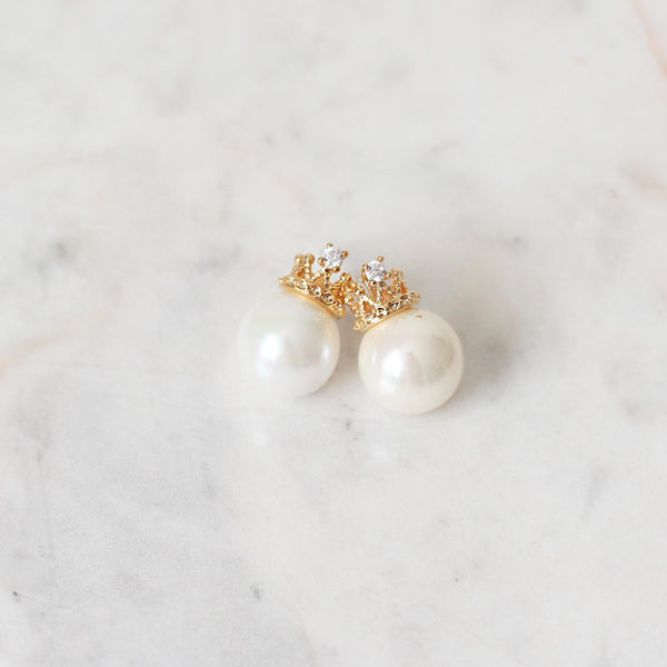 Aretes Crown and Pearl