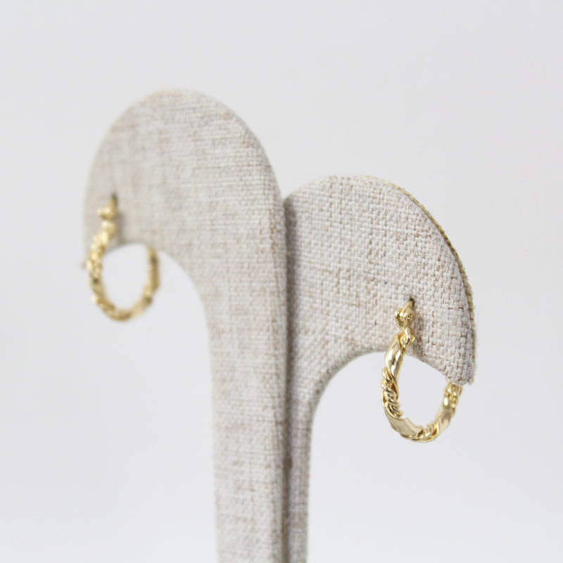 Aretes Carved Gold