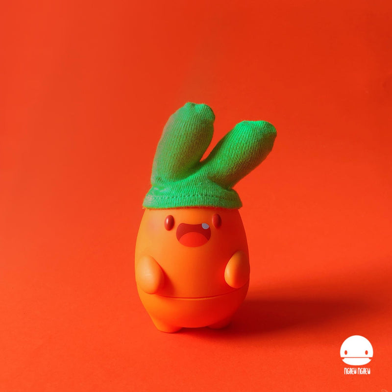 Ngaew ngaew Carrot Vinyl edition by Pang Ngaew