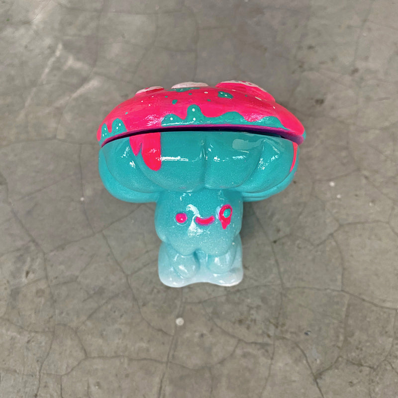 """They Come From Planet Frosting"" - Shumi Mushrumi sofubi by Mumbot"