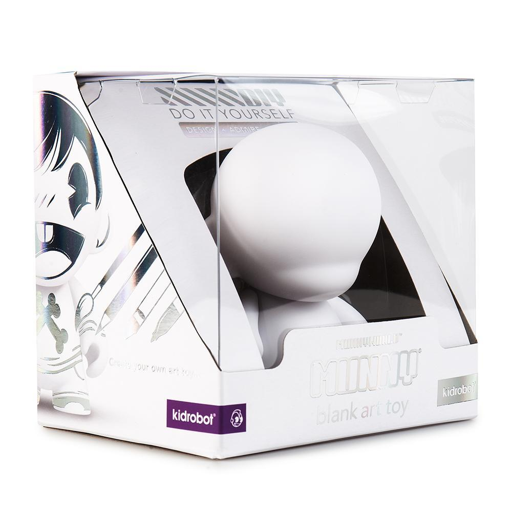 vinyl-munnyworld-4-munny-blank-art-toy-by-kidrobot-5_2048x