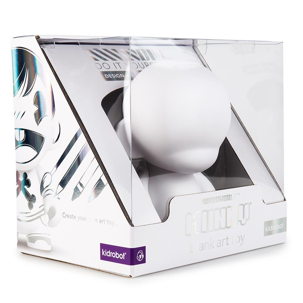 vinyl-munnyworld-7-munny-blank-art-toy-by-kidrobot-5_2048x