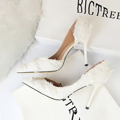 Three Colors Beautiful Elegant Feathers Woman Pumps