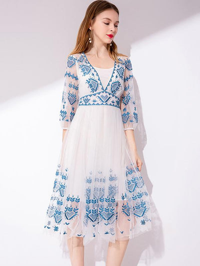 Chic Embroidery Hollow Out O-Neck Half Sleeve Fake Two Piece Dress