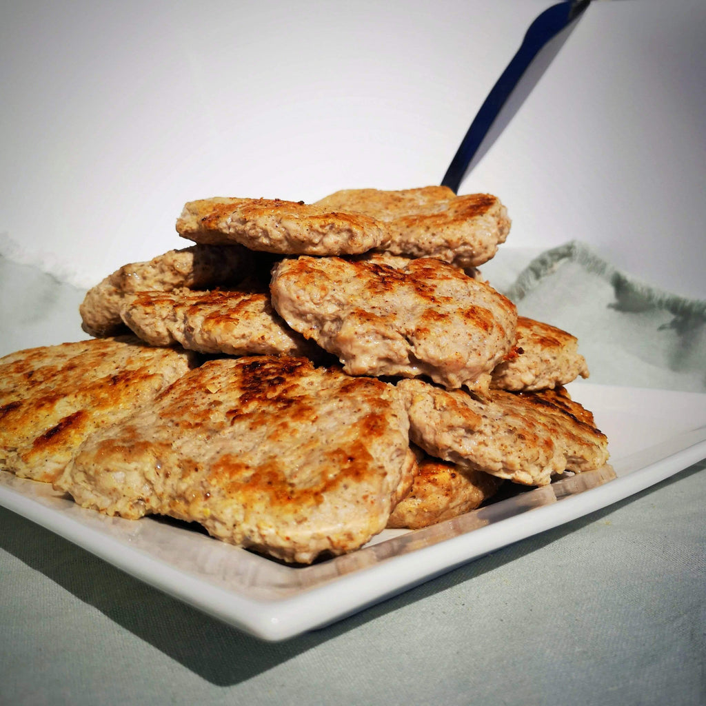 Homemade sausage patties, like our grandmothers did! With Les Savoureux sausage powder, organic, keto and gluten-free.