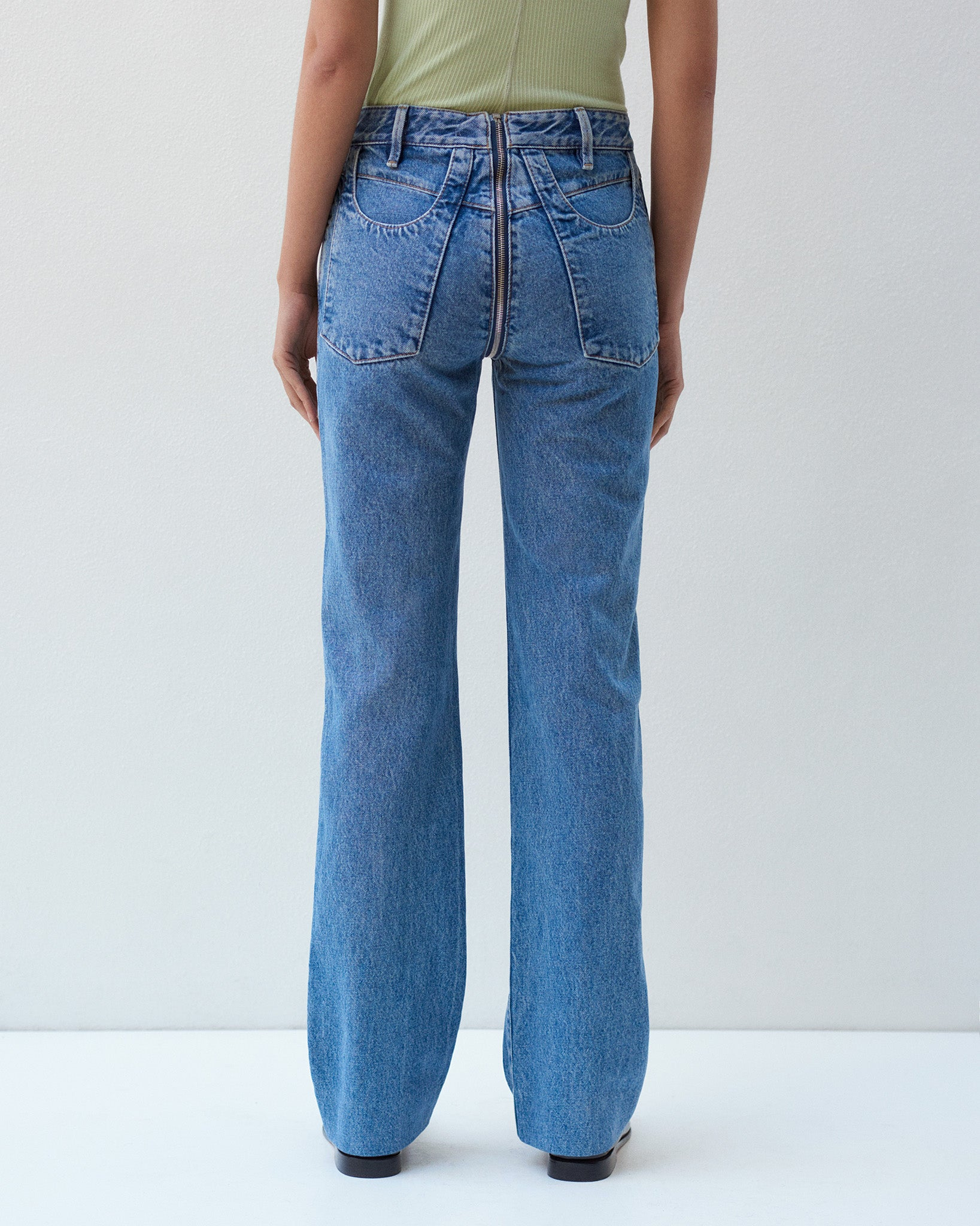 ZIP THROUGH JEAN IN CLASSIC DENIM