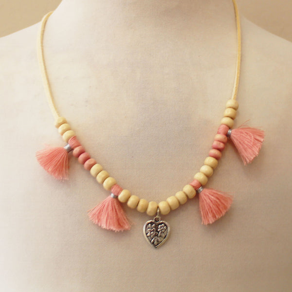 Collar Natural corazon flecos coral
