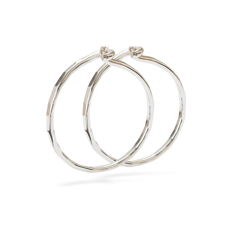 Mini hammered hoop silver